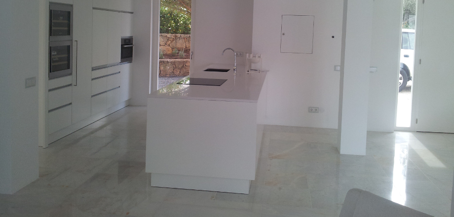 Kitchen using Estremoz White